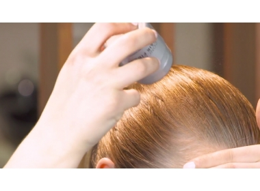 Tutorial - Elena shows us how to makeup and disguise thinning hair with Kmax Hair Fibers